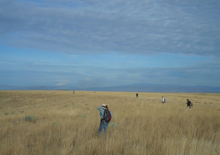 Archaeologists conducting a survey for the Baseline Wind Farm project. HRA provided cultural resources assistance to help client First Wind navigate the Oregon Energy Facilities Siting Council process.