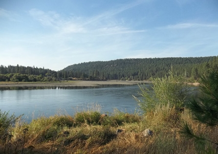 HRA archaeologists surveying hydroelectric project reservoirs for satisfaction of FERC license requirements. HRA performed all phases of cultural resources compliance for Avista's relicensing of five hyrdoelectric projects in eastern Washington and northern Idaho.